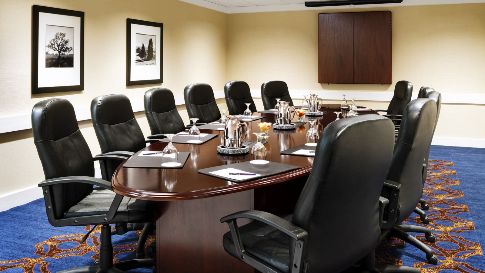 Sheraton Milwaukee Brookfield Hotel - Small Meeting Space