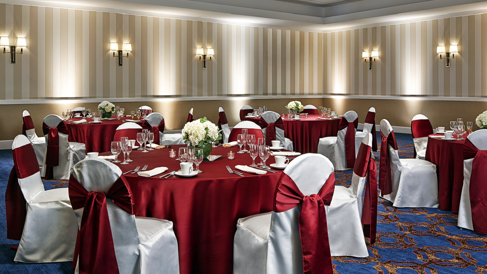 Wedding reception venues milwaukee sheraton milwaukee brookfield ballroom space junglespirit Image collections